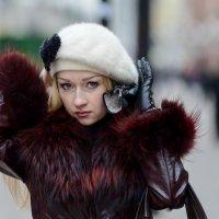 Поправляя берет :: Александр Степовой