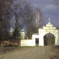 дорога к храму :: Сергей Кочнев