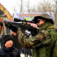 Юный снайпер :: Дмитрий Пислигин