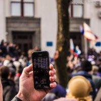 Митинг на телефон :: Владислав Полушкин