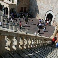 вид на главную площадь Ассизи  с лестницы :: Лидия кутузова