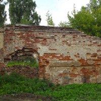 остатки стены :: Сергей Кочнев