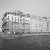 Дом на набережной. :: Anton Lavrentiev