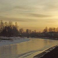 закат над рекой :: Сергей Кочнев