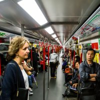 ...бесконечный вагон-метро Гонконга...)) :: Сергей Андрейчук