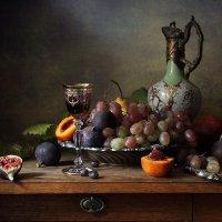 Малага и фрукты :: Елена Татульян