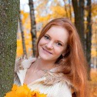 Девушка-осень :: Ирина Шуба