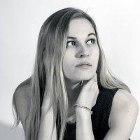 Блондинка в черном :: Марина Кириллова
