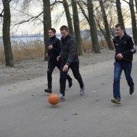 мячик :: Василий Алехин