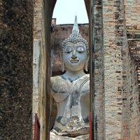 Таиланд. Сукхотай. Взгляд Будды :: Владимир Шибинский