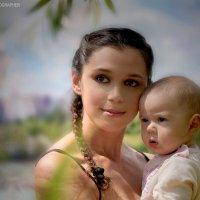 Мама с ребенком :: Ольга Милованова
