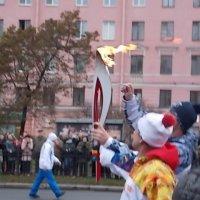 Эстафета Олимпийского огня в Санкт-Петербурге :: Фотогруппа Весна.
