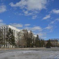 Первомайская площадь :: юрий Амосов