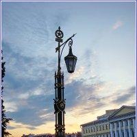 Фонарик на мосту :: Владимир Гилясев