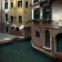 Венеция. Безлюдный закоулочек :: Лидия Цапко