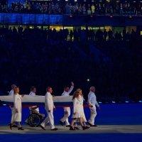 Вынос знамени во время церемонии открытия  ПАралимпийских игр 7 марта 2014 :: Татьяна Копосова