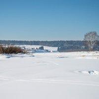 р. Чусовая вниз по течению зимой :: Александр Усманов