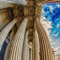 Колоннада Казанского собора :: Александр Неустроев