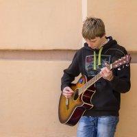 Гитарист :: Нина Паклина