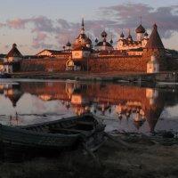 Соловецкий монастырь на закате :: Михаил Онипенко