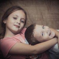 брат и сестра :: Роман Кашапов