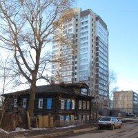 Старое и новое - блеск и нищета города Кирова :: Сергей Ткаченко