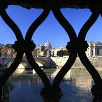 Рим, вид с моста Святого Ангела :: Татьяна Нестерова