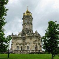 Дубровицы.Церковь в короне. :: Лариса *