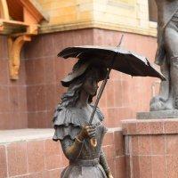 фигура с зонтиком :: Александр Пустовит