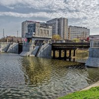 Гончаровская гребля на реке Лопань в Харькове :: Лидия Цапко