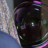 Отражение в мыльном пузыре :: Виктор