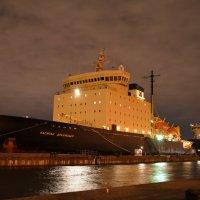 В нашу гавань заходили корабли... :: Ирина Михайловна