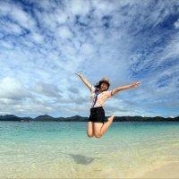 Летающая девушка из Таиланда... :: Детский и семейный фотограф Владимир Кот