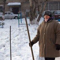 Уберу весь снег. :: Viktor Сергеев