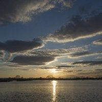 рисунки из облаков,на закате солнца :: Алексей -