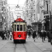 Старый трамвай на улице Стамбула... :: Cергей Павлович