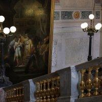 Парадная лестница в Михайловском замке :: Юлия Емелина
