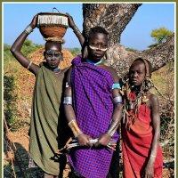 Девушки из племени Мурси :: Евгений Печенин