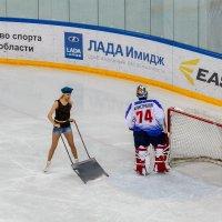 В хоккей играют настоящие... :: Василий Игумнов