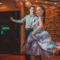 Танец на свадьбе :: Vladimir Donchenko