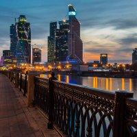 #Москва-Сити :: Максим Коротовских
