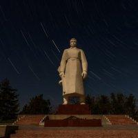 памятник солдату в полнолуние :: Алексей Яковлев