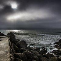 Santa Cruz beach. Portugal :: Yuriy Rogov