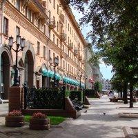 Минск. Красивый бульвар :: Владимир Гилясев