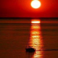Закат на Белом море :: Сергей Кордумов