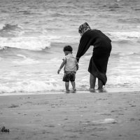 знакомство с морем... :: Павел Баз