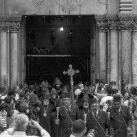 у храма :: Валерий Цингауз