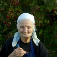 Бабушка Лида из деревни Дятькино :: Валерий Талашов