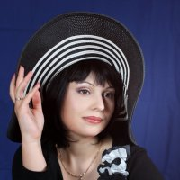 девушка в шляпке :: Ростислав Уханов