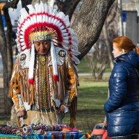 Индейцы в городе :: Sergey Kuznetcov